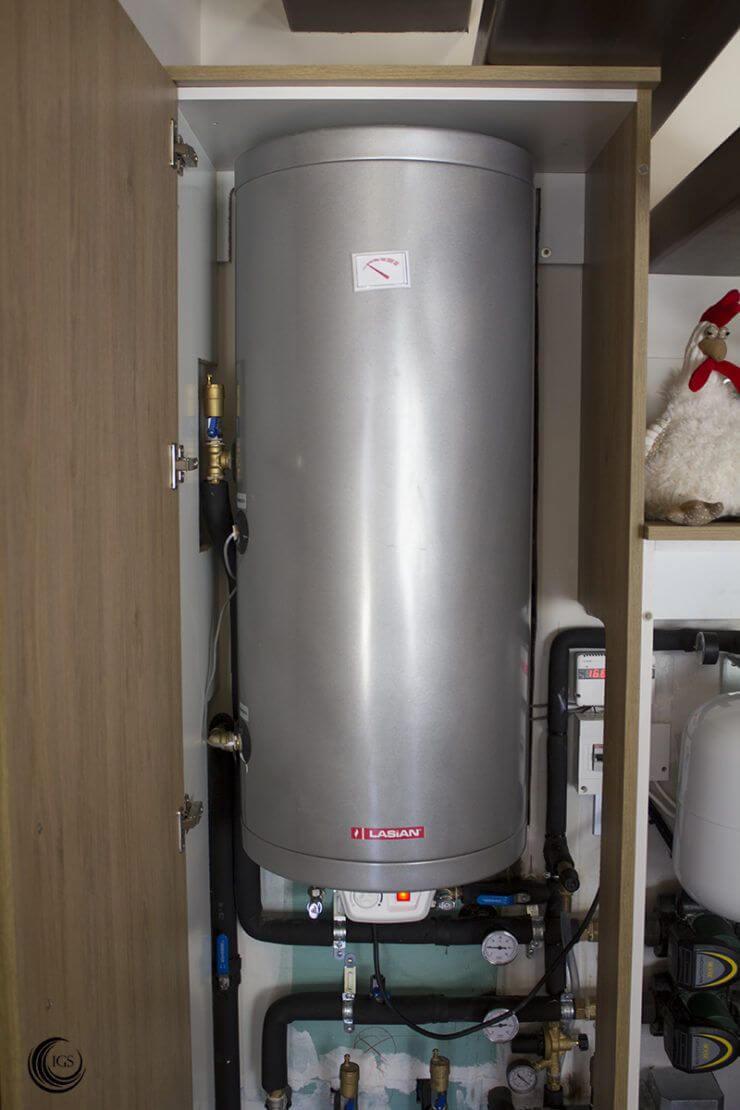 Termoestufa de pellets para calefacci n por radiadores y for Radiadores agua calefaccion