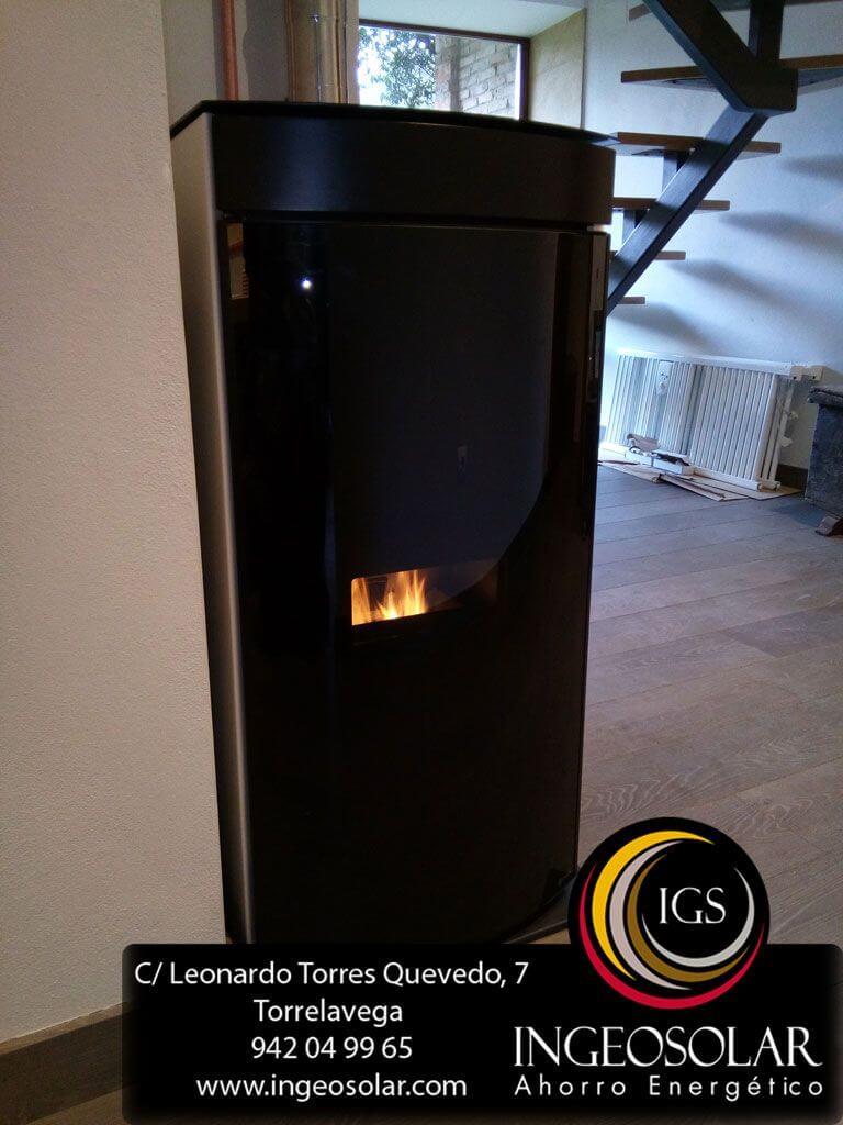 Termoestufa eoss tesla de pellets con radiadores de dise o - Termoestufa de pellets ...