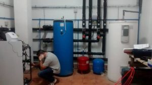 Mantenimiento en sala técnica de Geotermia de Ingeosolar