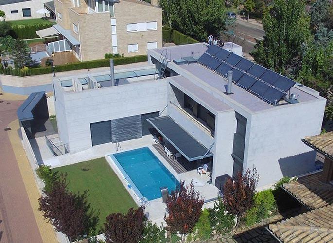 paneles solares hibridos en vivienda unifamiliar
